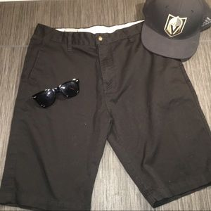 Men's Volcom Like New Black Shorts